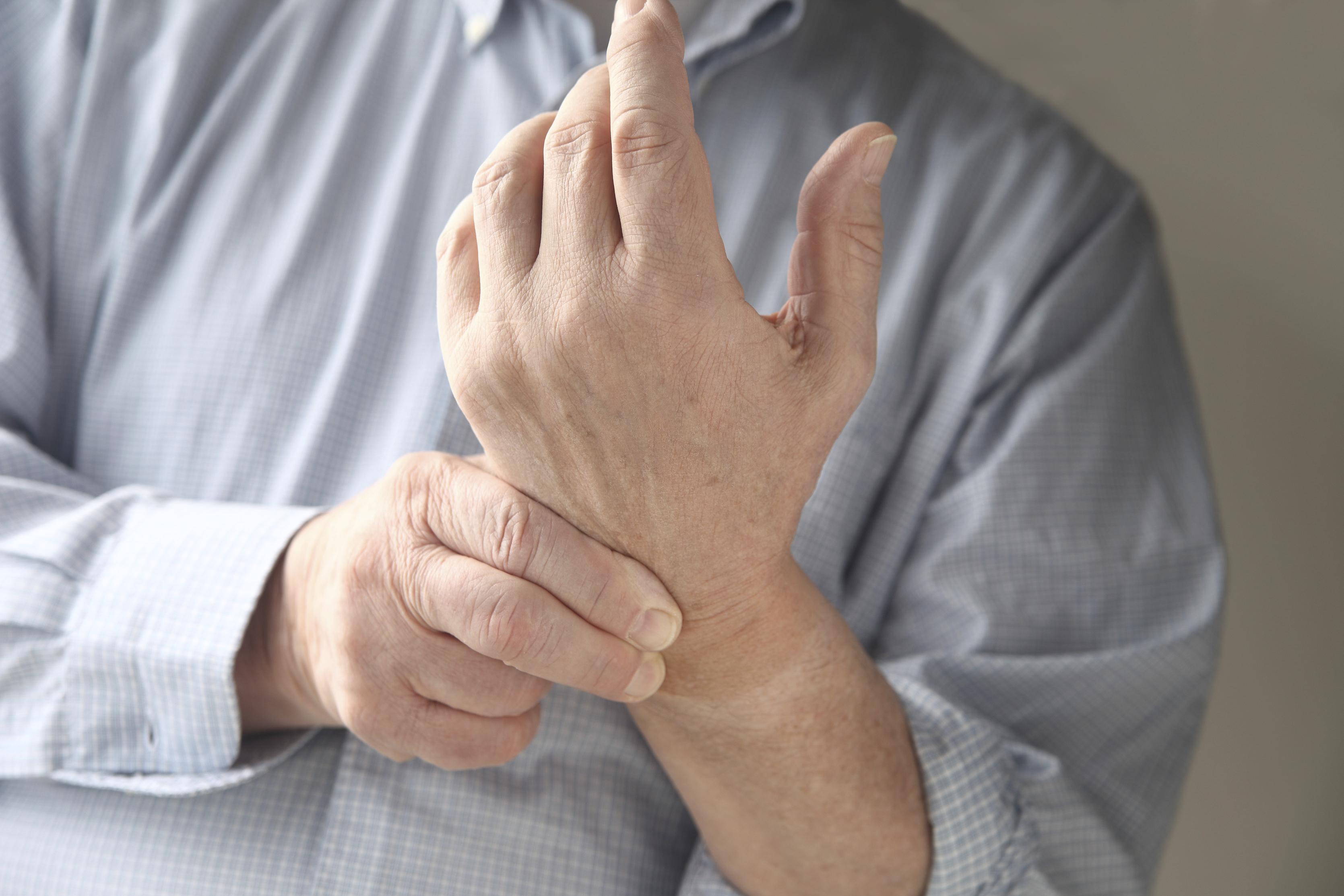 скованность тугоподвижность отечность суставов пальцев рук нетрадиционные методы лечени